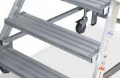 Stopnie wejścia z aluminium ryflowanego o głębokości 175 mm.