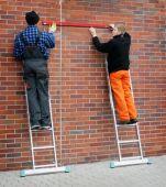 Elementy podestu można używać jako dwie, niezależne od siebie drabiny jednoelementowe o zasięgu pracy 3,05 m.