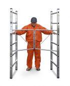 Zastosowanie ramy składanej pozwala na bezproblemowe rozłożenie i złożenie podestu.
